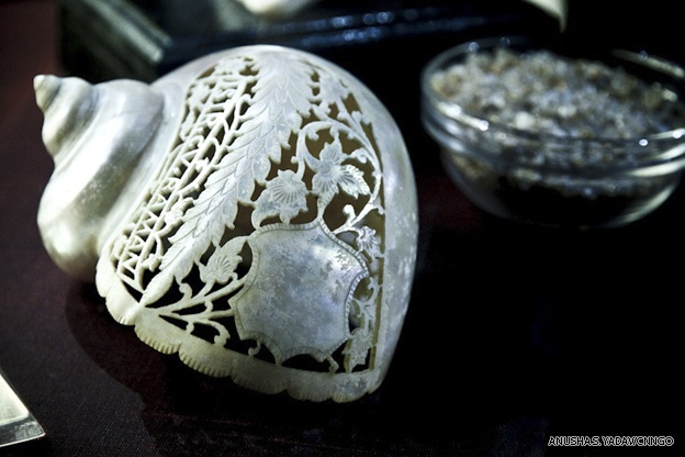 A sea shell carving from around the 19th century