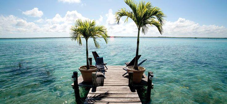 Bacalar o destino mexicano com a lagoa de 7 tons de azul
