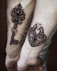 I like the lock on this one and how it looks like it's in the skin