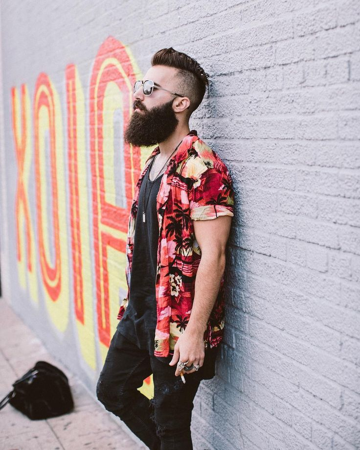 Big Brother 18 castmate Paul Abrahamian has a clothing line called deadskullapparel