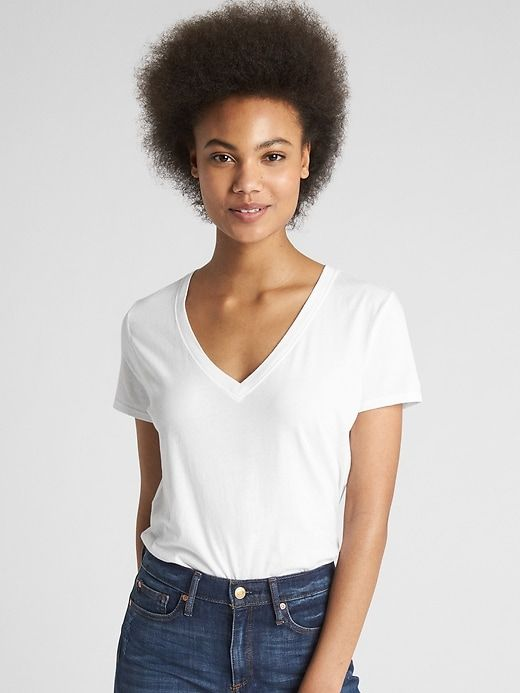 b04a067689 The 10 Best White T-shirts for Every Budget — Chatelaine