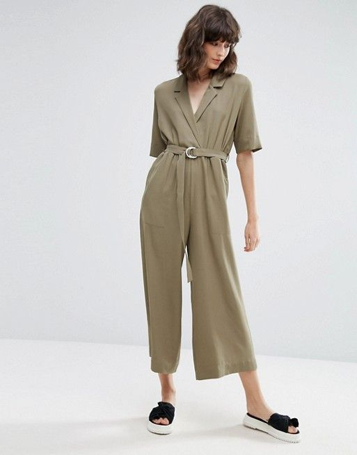 I love this kaki jumpsuit, perfect for an everyday outfit !