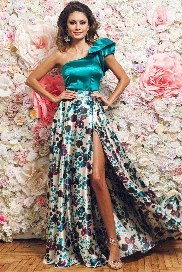 Comanda online, Bluza dama eleganta pe umar PrettyGirl turcoaz din material satinat. Articole masurate, calitate garantata!
