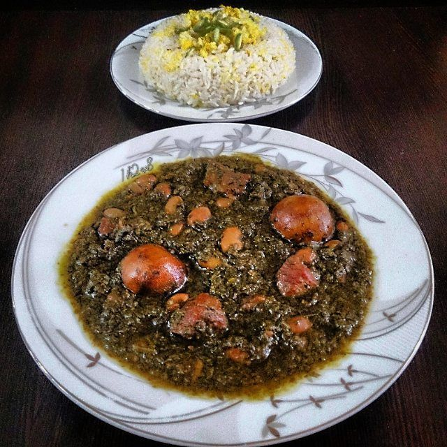 Ghormesabzi (persian food)  #food#foodgasm#stew#soup#persianfood#iran#delicious#yum#beautiful#healthy#herbs#meat#rice#vegetables#cooking#fidilio#homemade#еда#makanan#comida#قورمه_سبزی#بزن#غذا#ناهار#خوشمزه#مزه#جمعه#بپسند#ایران#جنوب by 1h2v8