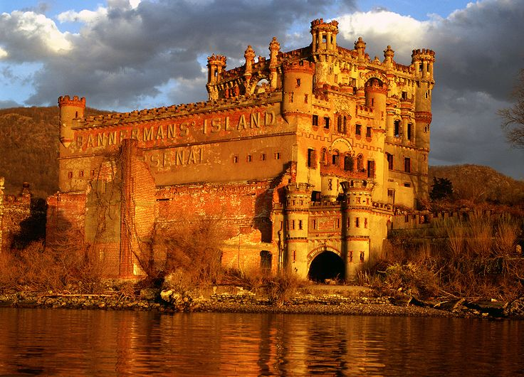 Bannerman Castle - Abandoned military surplus warehouse, Pollepel Island, Hudson River, New York, USA - Photo taken in 2001 - Castle suffered partial  collapse in 2009
