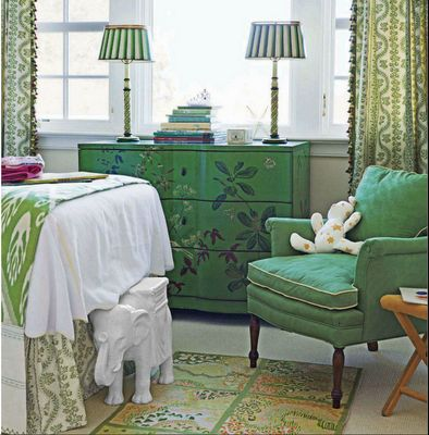 YumDecor Ideas, Emerald Green, Emeralds Green, Colors, Curtains Fabrics, Girls Room, White Bedrooms, Painting Dressers, Green Room