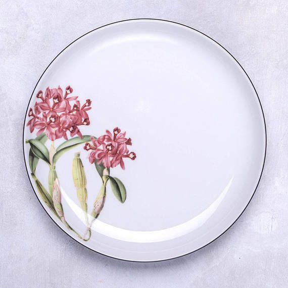 Porcelain dessert plate with vintage flower illustration: