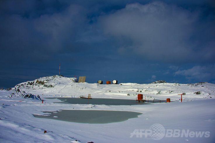 南極海のキングジョージ島(King George island、2014年3月13日撮影、資料写真)。(c)AFP/VANDERLEI ALMEIDA ▼18Mar2014AFP|1500年前のコケ、再生に成功 南極氷床下で採取 http://www.afpbb.com/articles/-/3010511 #King_George_island