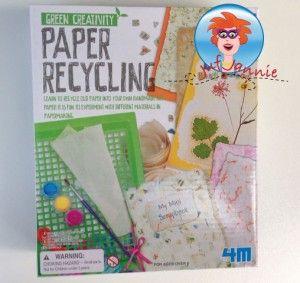 Papier maken van oud papier (recyclen) – knutselen met kinderen. Maak zelf nieuw papier van oud papier.  Lees hoe het moet op mijn website.