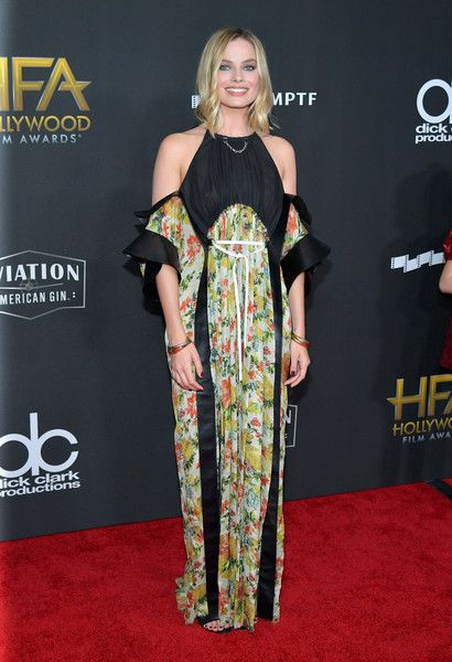 Margot Robbie attends the 21st Annual Hollywood Film Awards.