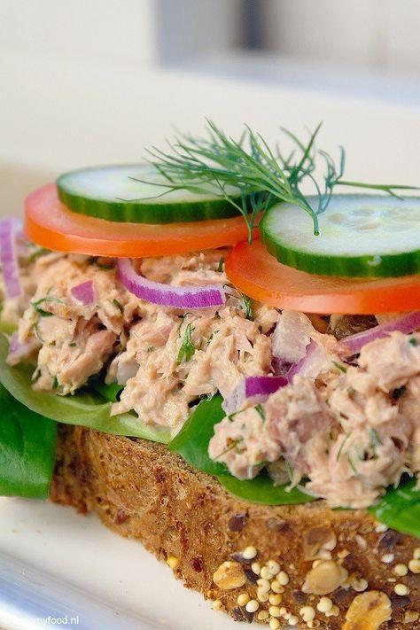 lunch tonijnsalade met honing-mosterd saus, vervang mayo door Alpro soja kwark!