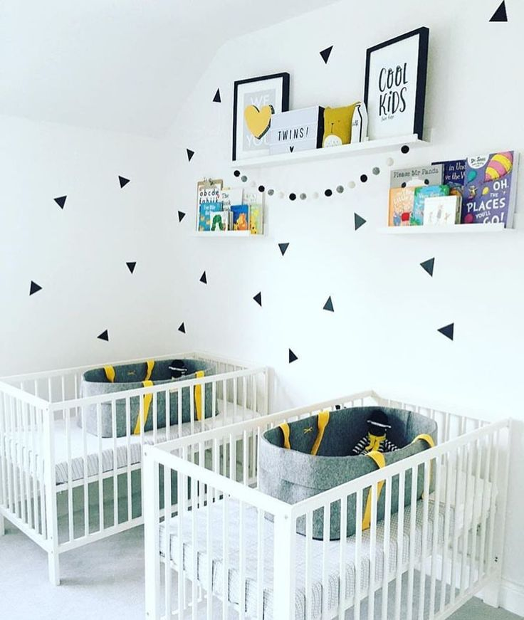 Love this for twins 😍 by @andruhome #love #boysroom #gutterom #girlsroom #jenterom #interiør #inspo #barnerom #barneinteriør #barneinspo #barneromsinteriør #gravid #nyfødt #newborn #babyroom #barsel #mammaperm #mammalivet #småbarnsliv #interior #kidsinspo #kidsinterior #kidsdecor #nursery #nurserydecor #barnrum
