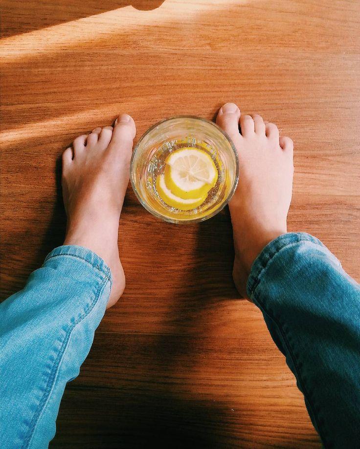 #feet #lemon #lemondrink #freepeople #freepeoplestyle #freemind #onlygoodvibes #vintage #vsco #vscopoland #vscocam
