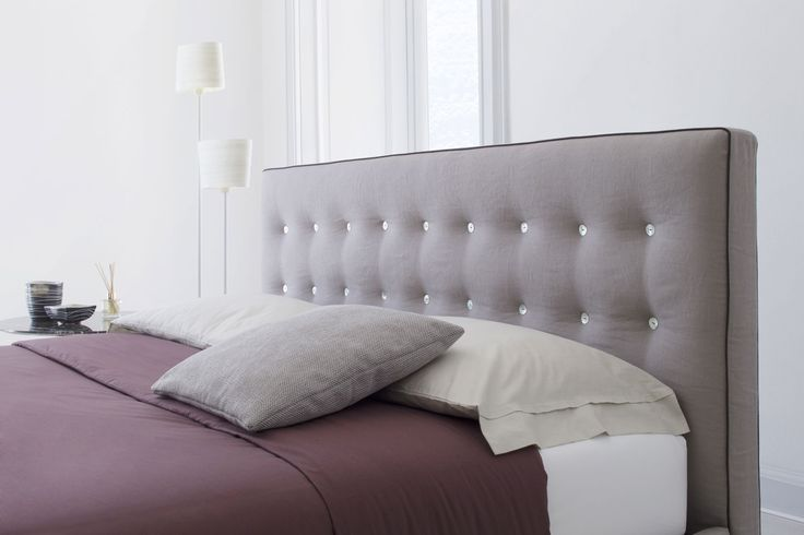 The Marais bed is available in standard dimensions or can be custom made according to your needs. #madebyhand #madeinitaly