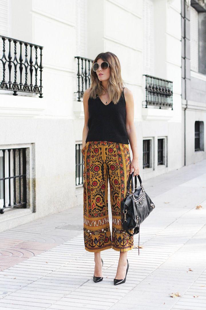 Depois de ver tantos looks modernos, eu já estou gostando mais da Calça Pantacourt, aquela calça pantalona curta! =) Ela é tendência de Verão e por se...