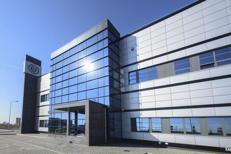 Firma Hasco- Lek złożyła wniosek w lutym br. o rozszerzenie Legnickiej Specjalnej Strefy Ekonomicznej do Ministerstwa Gospodarki, jednak wniosek został odrzucony tuż przed wyborami parlamentarnymi. Co ciekawe w 2007 roku firma uznana została za strategiczną z punktu widzenia gospodarczo-obronnego, a w 2015 firmie zamyka się możliwość uczestnictwa w podnoszeniu innowacyjności i konkurencyjności polskiej gospodarki. Hasco jest jednym z największych pracodawców we Wrocławiu.