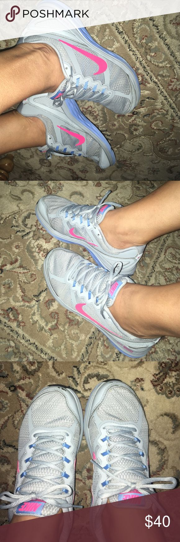 Nike dual fusion run 3 nice shoes Used but very clean nice comfortable shoes Nike Shoes Athletic Shoes