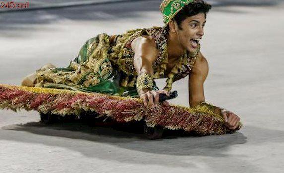 Emoção para lá de Marrakech: Mocidade Independente encanta com Aladdin voando sobre Sapucaí