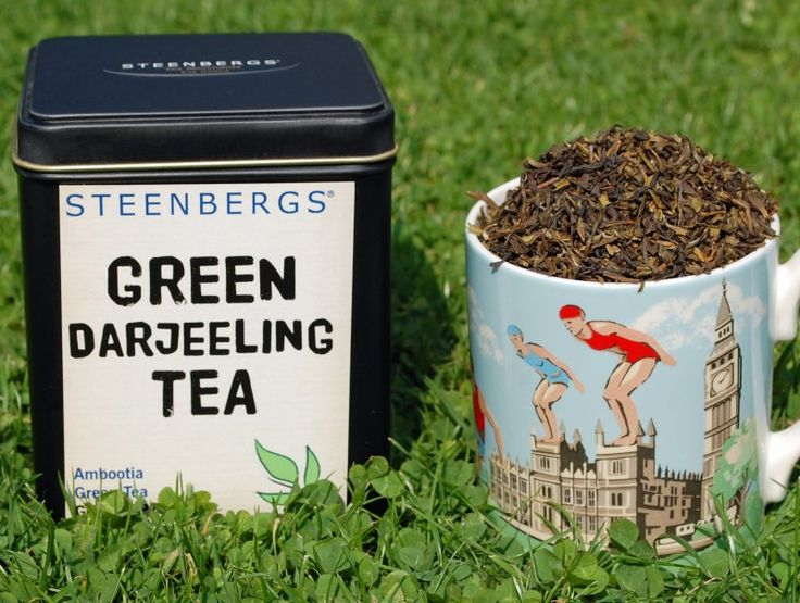 Organic Green Darjeeling Tea Loose Leaf 125g from Steenbergs. This is from the Ambootia Tea Estate in Darjeeling, in the foothills of the Himalayas. It's a mild green tea.