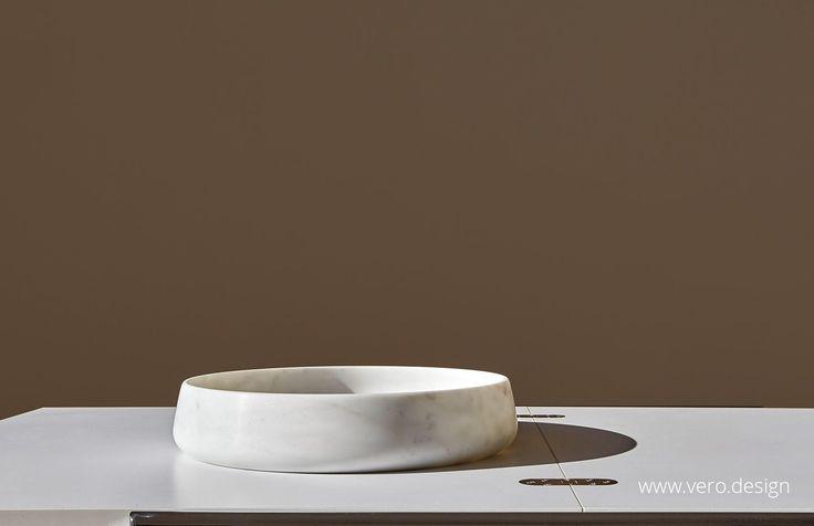 TONDO TRE CARRARA MARBLE COLLECTION. Visit https://vero.design/product/tondo-tre-carrara-collection/.