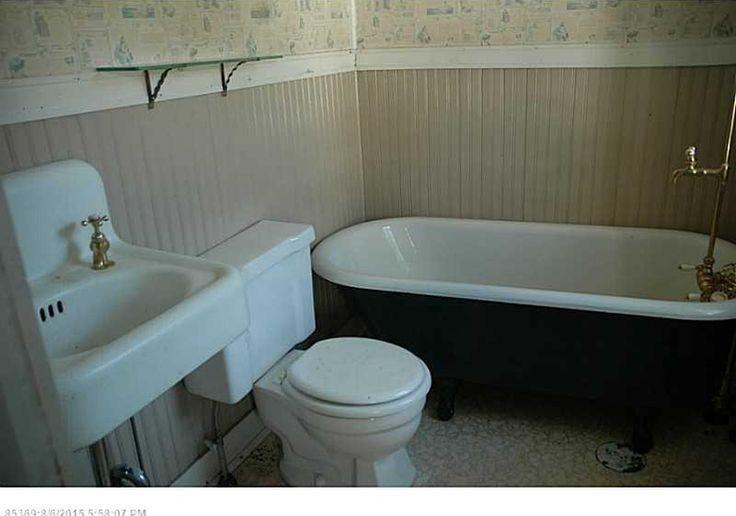original vintage bathroom  antique sink clawfoot tub