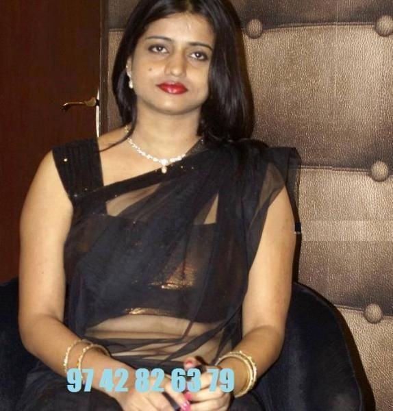 I am HEMA 32 yr old Independent Housewfe Alone as Husband Abroad