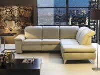 MATERIAŁY OBICIOWE: Meble tapicerowane nadają wnętrzu przytulności. A kiedy tkanina się przetrze albo po prostu znudzi, można ją wymienić, przeobrażając mebel w całkiem nowy.