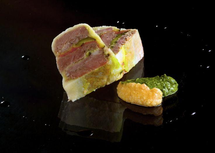 Terrina di bollito misto, salame di Turgia delle Valli di Lanzo e cavolo verza - ph. Stefano Fusaro