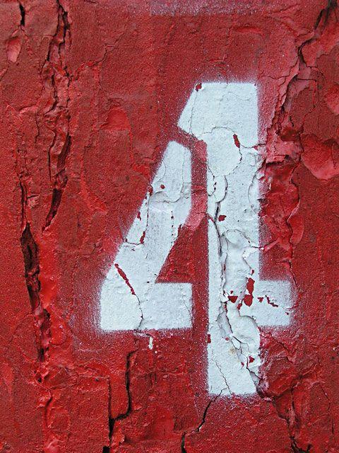 marquage du chiffre 4 au pochoir #four - ®www.image-gratuite.com