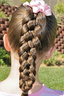 Princess Piggies: Friday's Film: 5-Strand Braid - A video of 5 strand braiding, plus a ton of hairstyles on this blog!