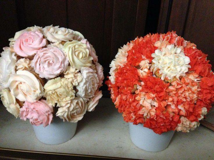 Cupcakes in fiore. Vasi di Cupcakes decorati con fiori di crema al burro. Un bellissimo centro tavola tutto da gustare!!!