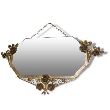 Miroir en fer forgé et doré, signé ...