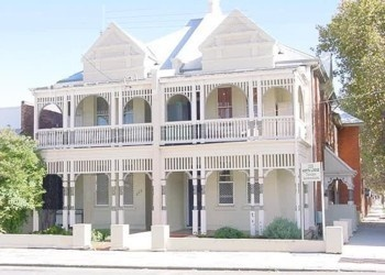 North Lodge Backpackers/Perth City Appartments