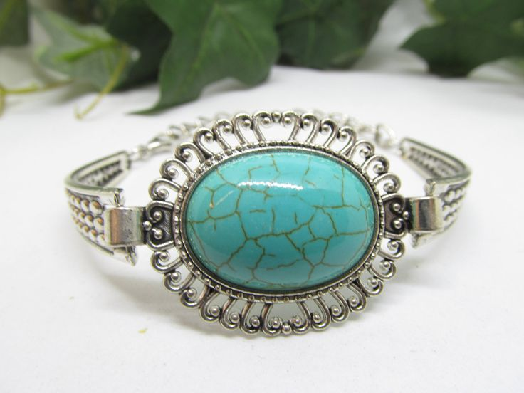 Vintage Cuff & Link Chain Style Bracelet Beautiful Silver tone Details and Faux Turquoise Cabochon Stone  Adjustable Hinged Ladies Bracelet