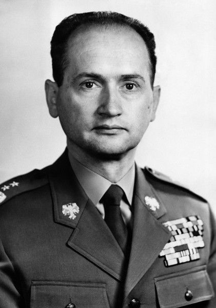 Wojciech Witold Jaruzelski  born 6 July 1923) is a retired Polish military officer and Communist politician. He was the last Communist leader of Poland from 1981 to 1989, Prime Minister from 1981 to 1985 and the country's head of state from 1985 to 1990. He was also the last commander-in-chief of the Polish People's Army (LWP). He resigned from power after the Polish Round Table Agreement in 1989 that led to democratic elections in Poland.