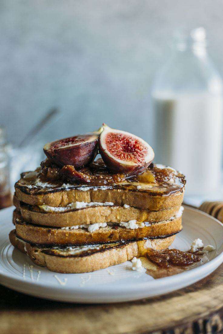 Fig French Toast | Cinnamon french toast layered with ricotta cheese and topped with a 3-ingredient fig compote | thealmondeater.com