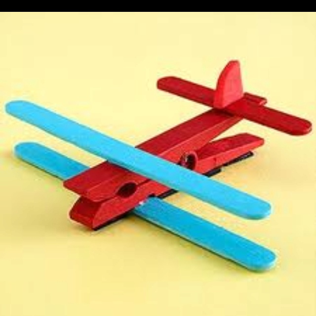 Airplanes...what a cute craft for kids!