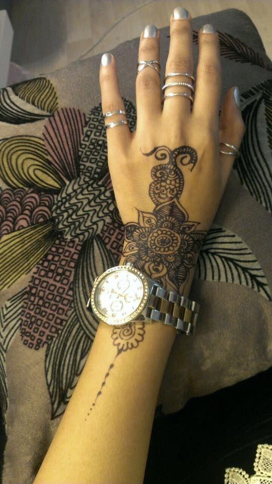 latest mehandi designs