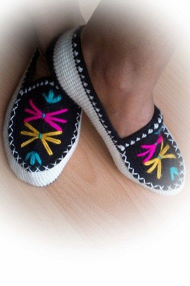 beautiful slippersTurkish Slippers Socks Booties by modishknit, $26.00