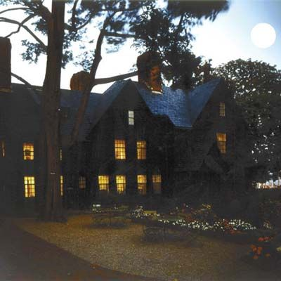 a visit to a haunted house essay Here is some bits of advice and a nice long list of 100 great descriptive essay topics to help and inspire a haunted house 95 a walk through the park 96.