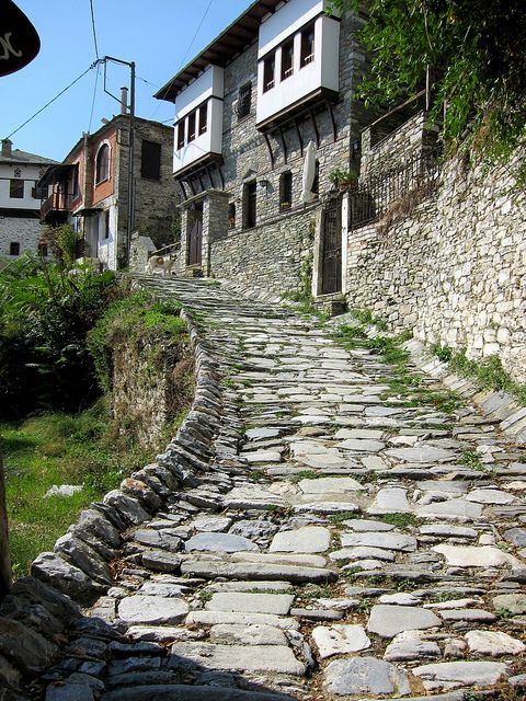 TRAVEL'IN GREECE I #Makrynitsa,Pelion, #Greece: this is the road actually to my house :) http://www.house2book.com