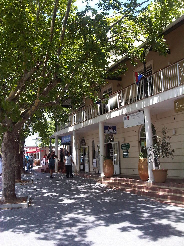 >> a typical street in the small vineyard town of Franshoek SA.
