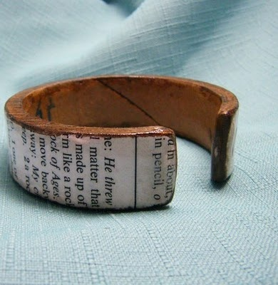 Elizabeth Abernathy: Recycled Cardboard Tube Bracelets with a cool quote from a book. Love this idea! Totally trying this.