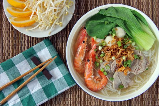 """Pork and Seafood Noodle Soup (Hu Tieu Do Bien) « Ang Sarap (A Tagalog word for """"It's Delicious"""")"""