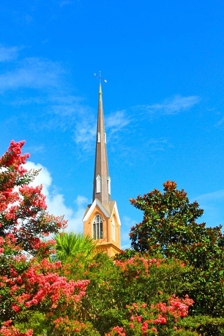 Torre de igreja em Charleston, estado da Carolina do Sul, USA.
