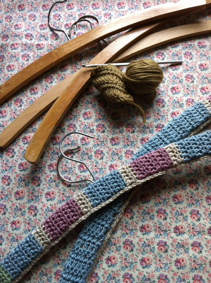Knitting Coat Hanger Covers : Best images about klere hanger oortreksels on pinterest
