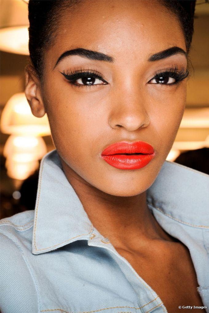 Maquiagem para turbinar a autoestima: confira truques de make para aumentar a confiança