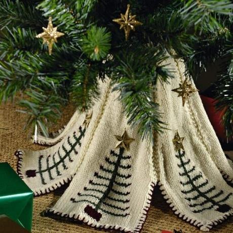 Pine & dandy tree skirt £0.69