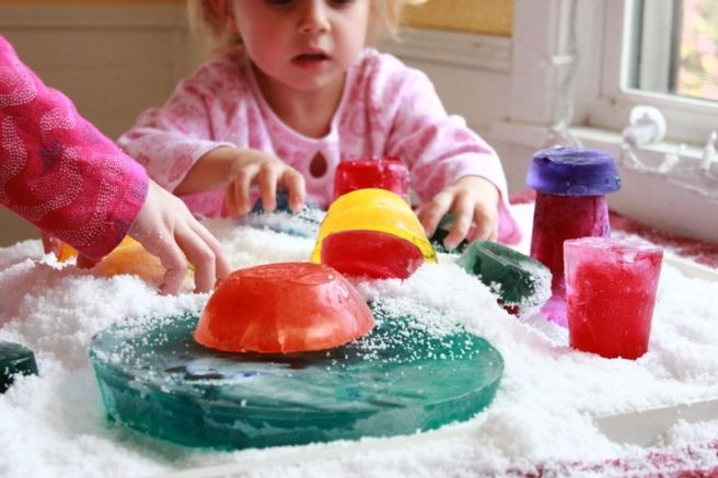 Colored Ice Scultpures :: Outdoor Winter Art for Kids - The Artful Parent