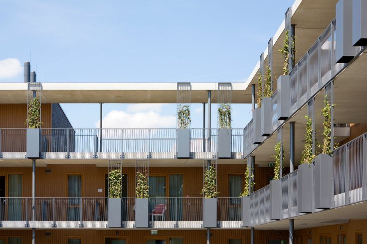 In many villages in the Netherlands, basic facilities disappear. With Kaleidoskoop (Kaleidoscope), a residential building with care and cultural facilities, ...